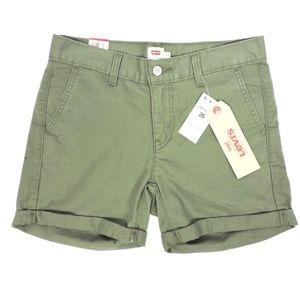 Levi's Classic Shorts Camo Green Mid Rise Cuffed